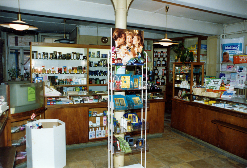 Ladenraum Parfümerie Hilde Makollus